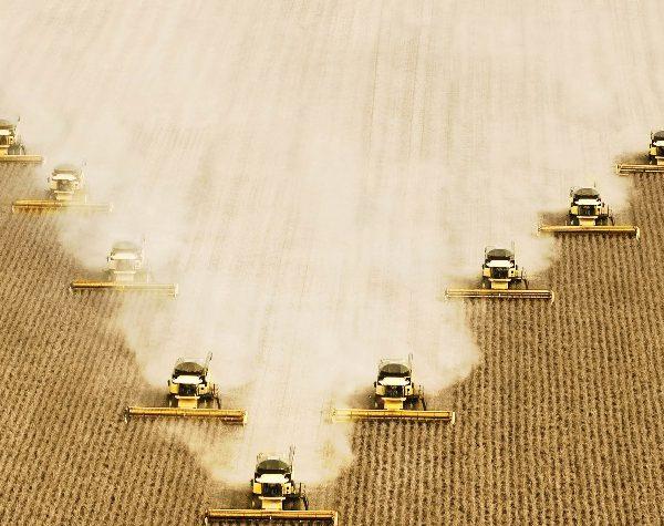 Demanda por tecnologia no campo é crescente, afirma New Holland; veja vídeo